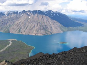 Hiking Kluane National Park above Kathleen Lake